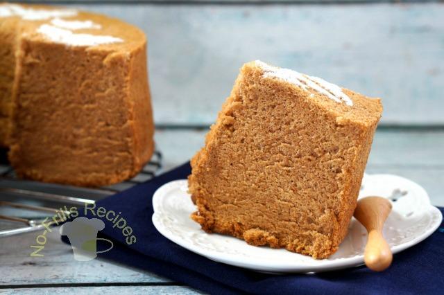 Thai tea sponge cake