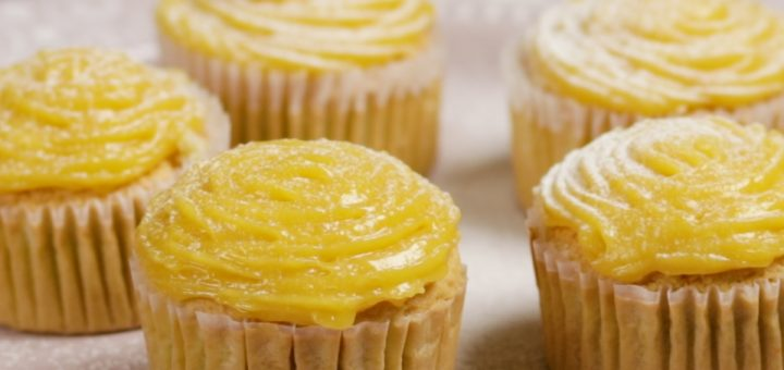 Steamed Mango Cupcakes