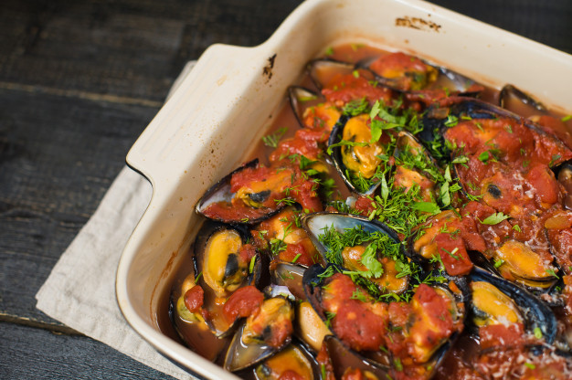 Curry roasted mussels